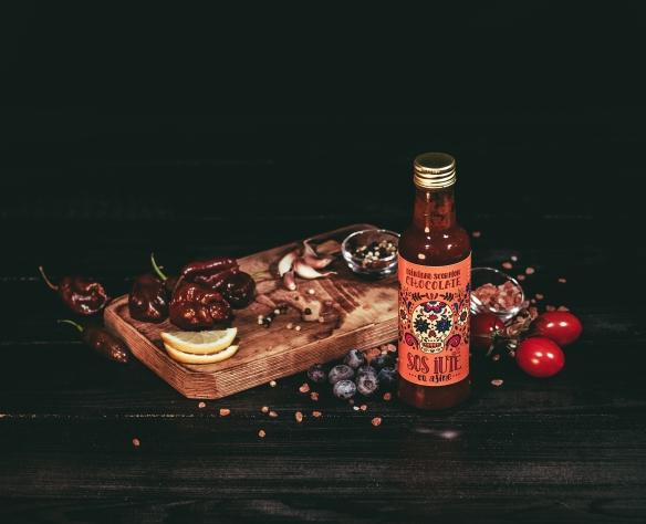 Sos de ardei iute Trinidad Scorpion Chocolate cu afine Fructele Pământului