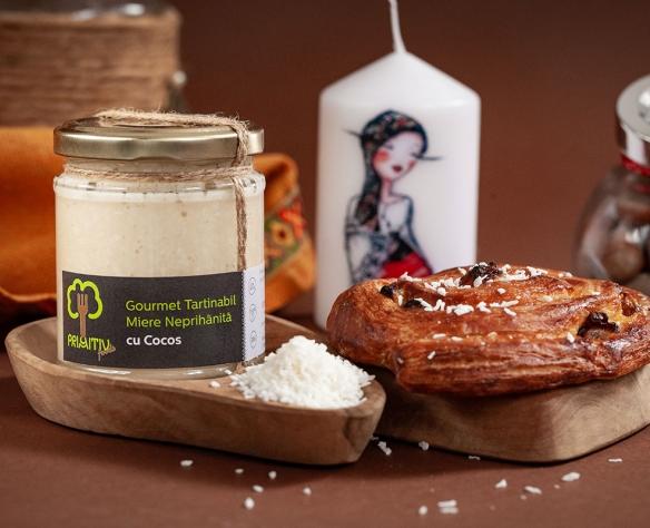 Gourmet tartinabil miere neprihănită cu cocos