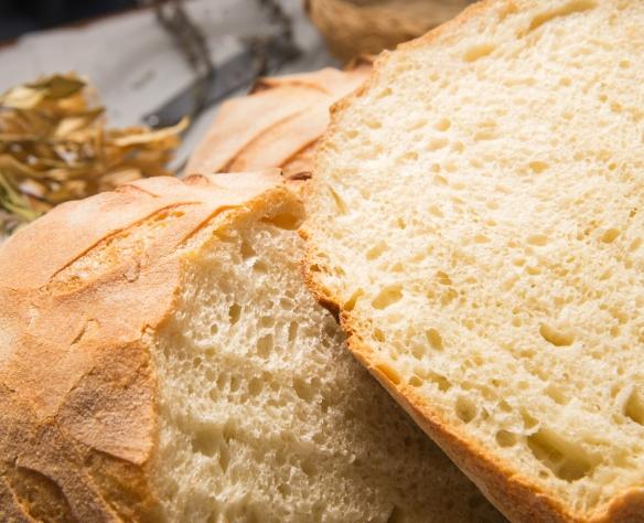 Pâine din făină de grâu dur cu maia și polish