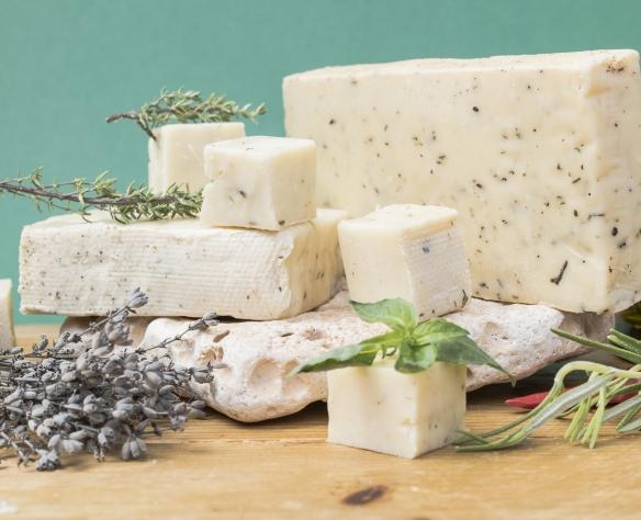 Brânză maturată cu mirodenii Nicolas